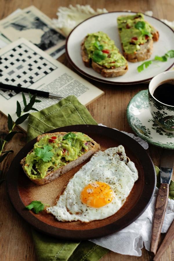 pasta do chleba z awokado